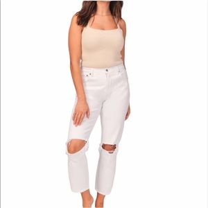 NWT Abercrombie and Fitch High Rise Mom Jean sz 31